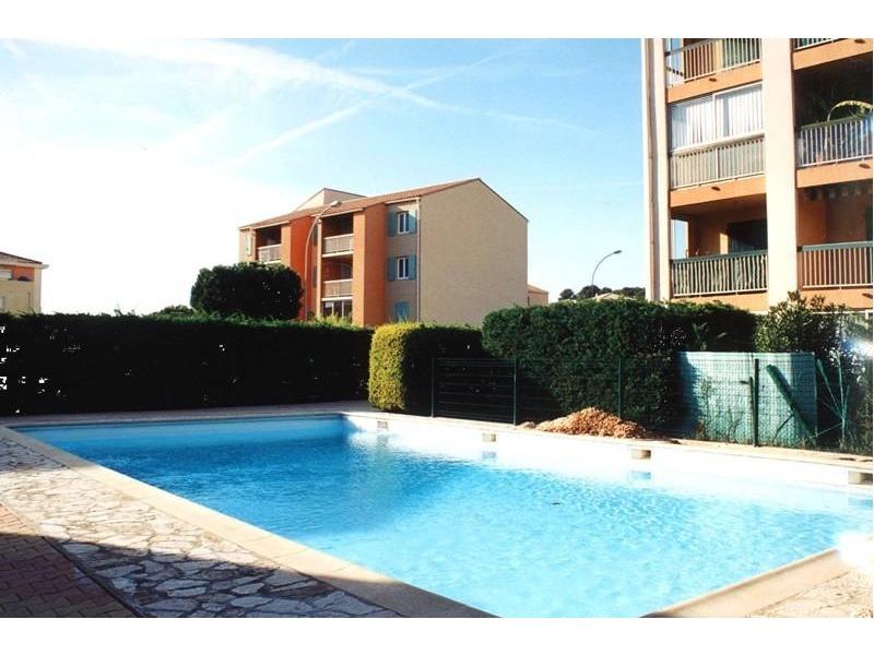 Location appartement de vacances sanary bandol liveazur - Residence vacances var avec piscine ...